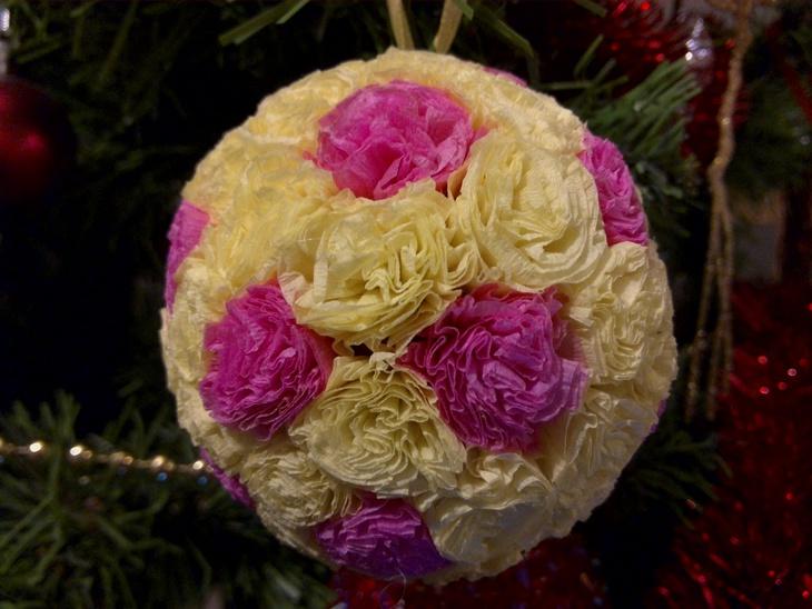 Новогодние шары из гофрированной бумаги своими руками фото 60